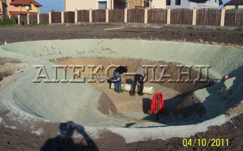 Строительство пруда: формирование чаши.
