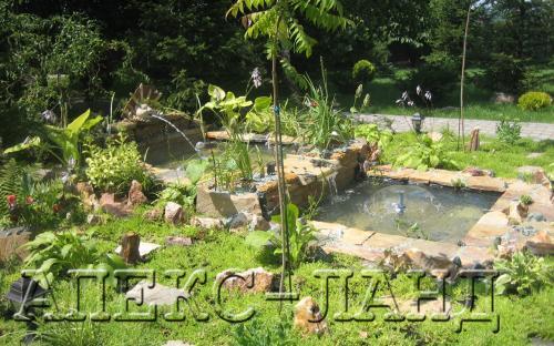 Искусственный пруд в саду, автор Жарков